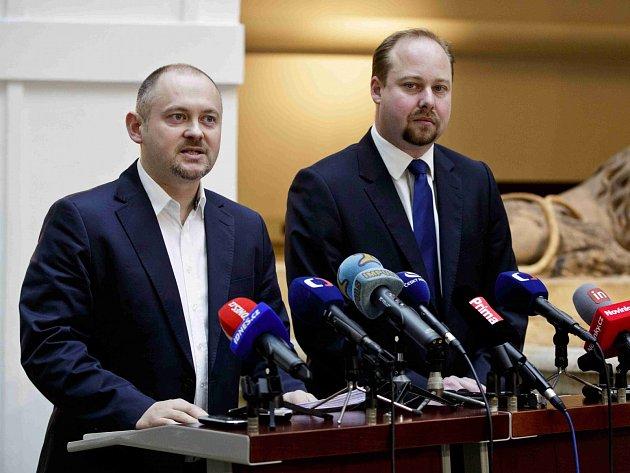 Sociální demokraté Michal Hašek a Jeroným Tejc.