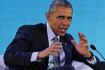 Prezident Barack Obama odsoudil hysterii, která podle něj nyní v debatě kolem uprchlíků panuje.