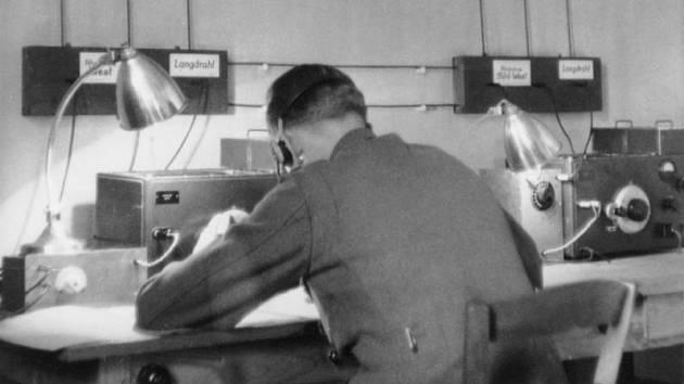 Josef Jakobs začal po vypuknutí druhé světové války pracovat pro německou výzvědnou službu Abwehr, která od něj přijímala zprávy o situaci v Anglii