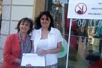 Má fotografie byla zneužita, brání se místopředsedkyně TOP 09 Chalánková (vlevo).