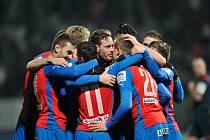 Fotbalisté Plzně se radují z gólu ve šlágru proti Jablonci.