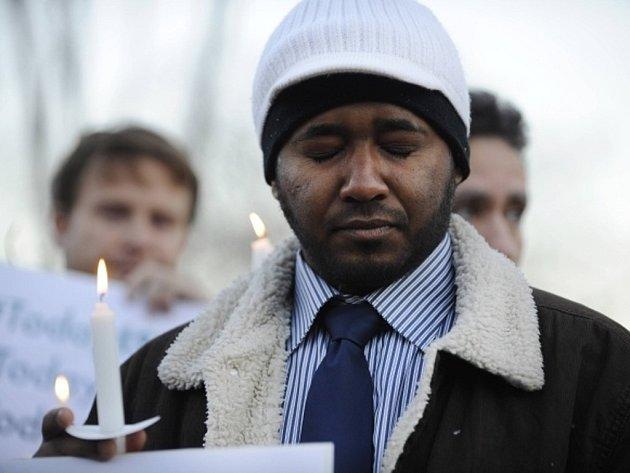 Místní církve podle agentur uspořádaly smuteční obřady na památku obětí a aby místním pomohly vypořádat se s traumatem.
