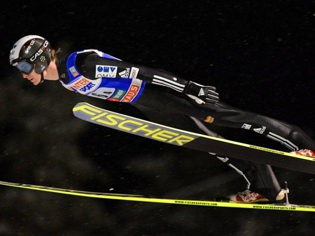 Skokan na lyžích Lukáš Hlava.