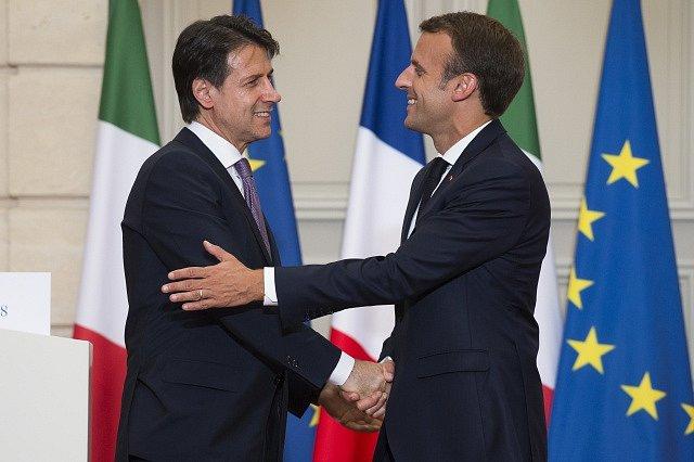 Emmanuel Macron a Giuseppe Conte.