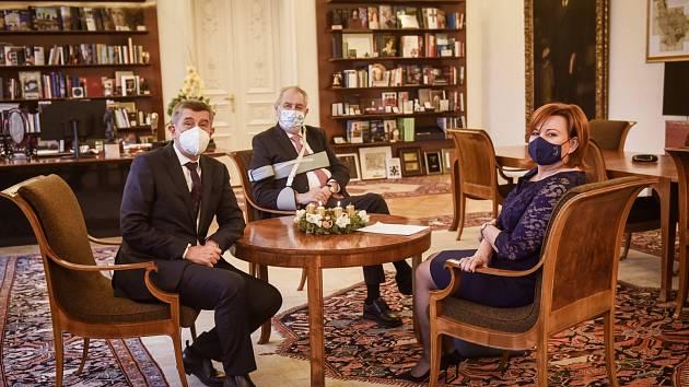 Miloš Zeman přijal předsedu vlády Andreje Babiše a ministryni financí Alenu Schillerovou