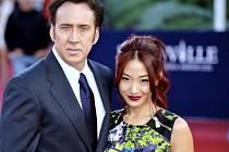 Nicolas Cage a jeho manželka Alice Kim.