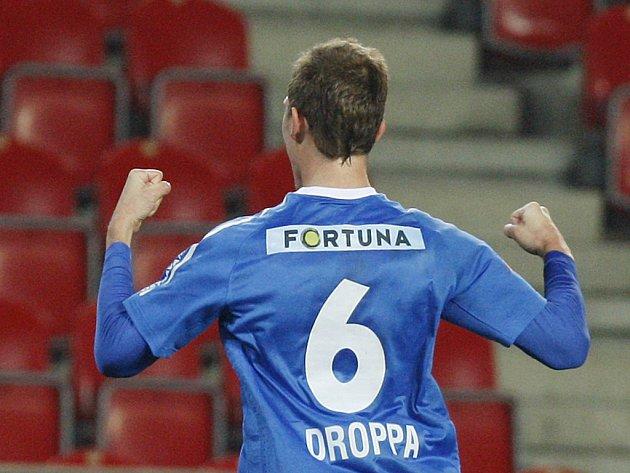 Lukáš Droppa z Ostravy se raduje z gólu.