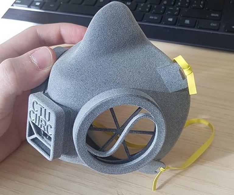 Prototyp respirátoru ČVUT.