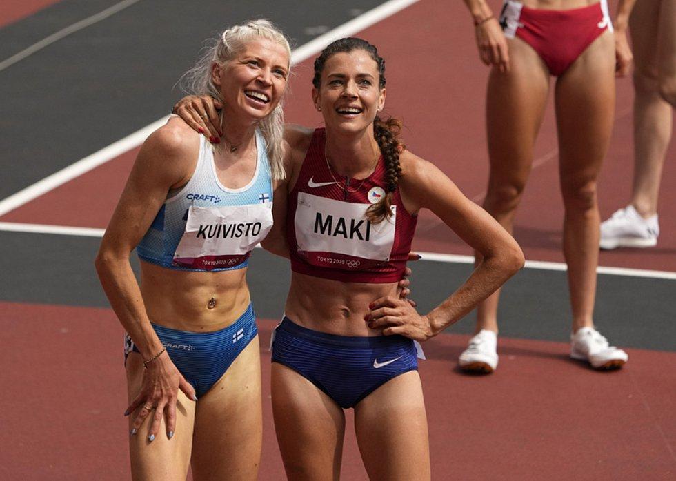Běžkyně Sara Kuivistová z Finska a Kristiina Mäki z Česka (zleva).