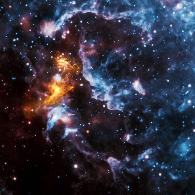 Vesmírné úkazy připomínající obličeje vznikají pravděpodobně srážkou dvou galaxií