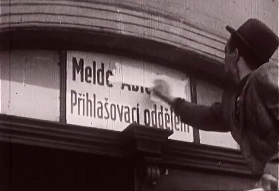 Po Přerovu začala povstávat i další česká města. Na většině míst začalo povstání přemalováváním a strháváním německých nápisů