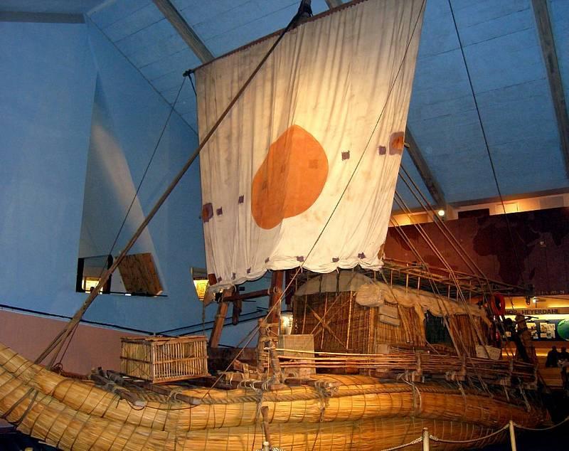 Rákosový vor z expedice Ra II v Kon Tiki muzeu v Oslu