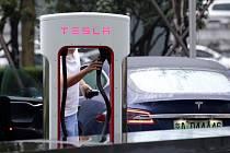 Tesla v Číně - Ilustrační foto