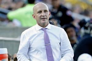 Trenér Paul Riley je nařčený ze sexuálního zneužívání fotbalistek.