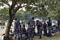 Členové Ugandské lidové obranné síly ve městě Kasese.