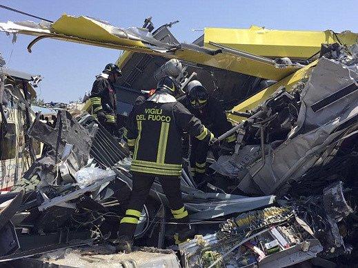 Úterní nehoda patří k nejhorším neštěstím v Itálii za 25 let