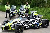 Britská policie dostala lehký sporťák Ariel Atom 3.5R.