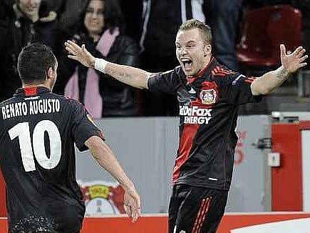 Kadlecova trefa na výhru Leverkusenu nestačila.