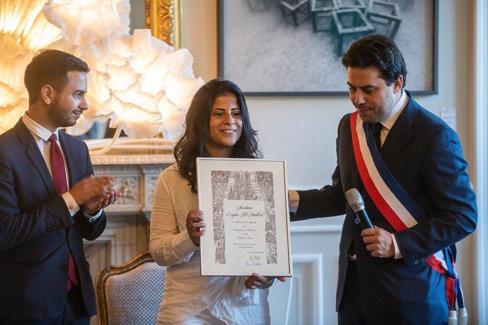 Aktivistka Ludžajn al-Hathloulová získala od radních Paříže čestné občanství