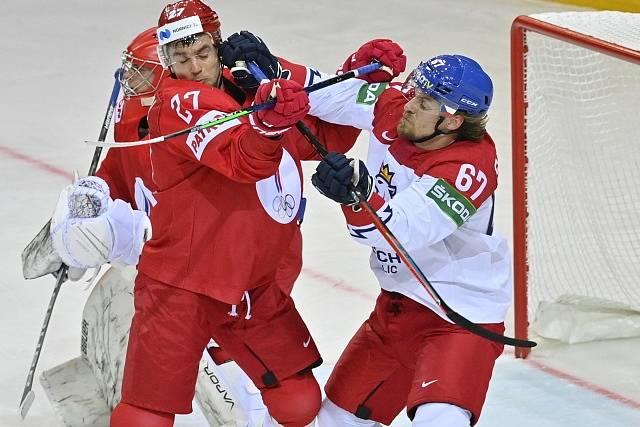 Jiří Smejkal v souboji s Igorem Ožiganovem.