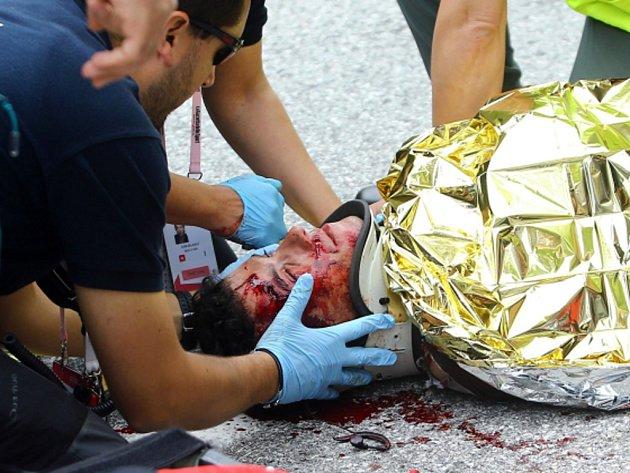 Domenico Pozzovivo skončil po děsivém pádu na Giru v kaluži krve.