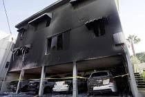Více než pět desítek požárů, které v Los Angeles v uplynulých dnech pravděpodobně založil muž zatčený v pondělí, způsobily škody ve výši asi tří milionů dolarů (59 milionů korun).