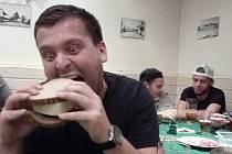 Hlavní jedlík Libor Trochta - TJ Nepomyšl.