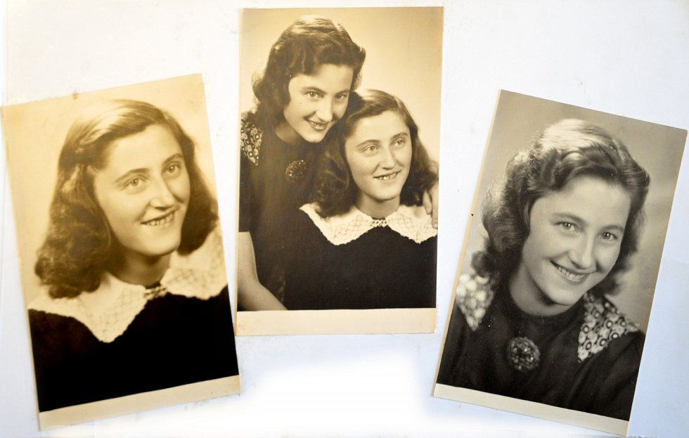 Julie Hrušková se sestrou.