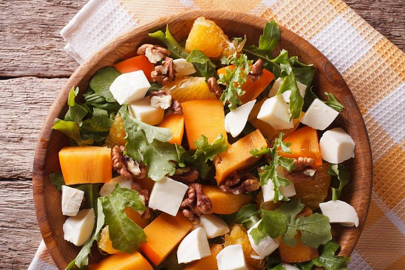 Zeleninový salát s kaki