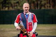 Miroslav Lidinský, bávalý voják, který po zranění v Afghánistánu se věnuje paralimpijským sportům jako je Lyžování, golf, a teď nově i střelba.