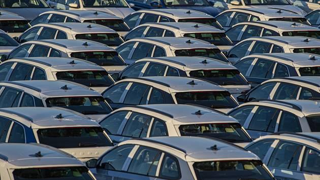 Odstavné parkoviště nových vozů Škoda