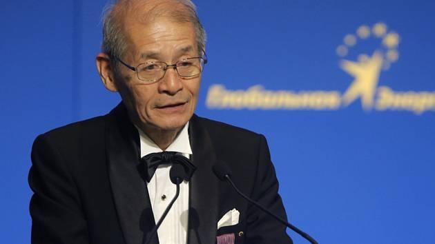 Japonský chemik Akira Jošino  na snímku z 21. června 2013 Letošní Nobelovu cenu za chemii získali Američan narozený v Německu John Goodenough, Brit Stanley