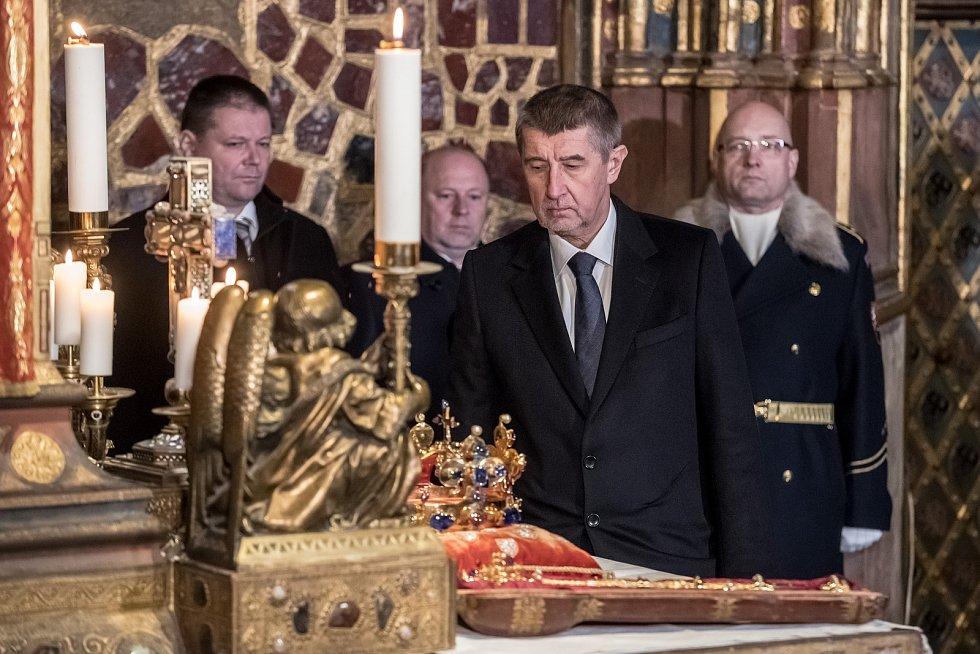 Vyzvednutí korunovačních klenot v kapli sv. Václava v katerdále sv. Víta proběhlo 15. ledna v Praze. Babiš