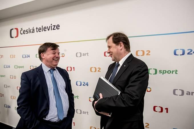Generálním ředitelem České televize byl zvolen Petr Dvořák, na snímku s předsedou Rady ČT Janem Bednářem.