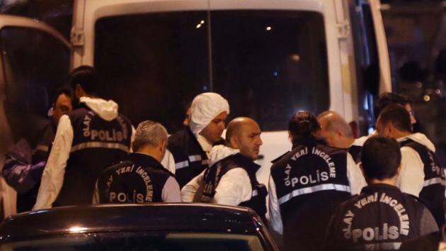 Turecká policie na saúdskoarabském konzulátu v Istanbulu.