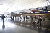 American Airlines zavádějí nové poplatky kvůli stále vyšším cenám ropy.