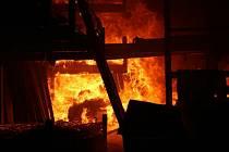 Požár haly - ilustrační foto