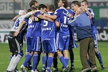 Fotbalisté Sigmy Olomouc se radují z výhry nad mistrovskou Slavií.