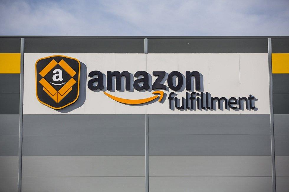 Sklad amerického internetového obchodu Amazon v Dobrovízi u Prahy