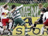 Marek Kincl střílí gól