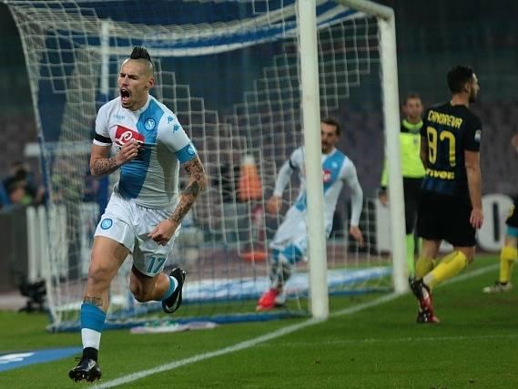 Marek Hamšík zvyšoval v 6. minutě už na 2:0 pro Neapol.