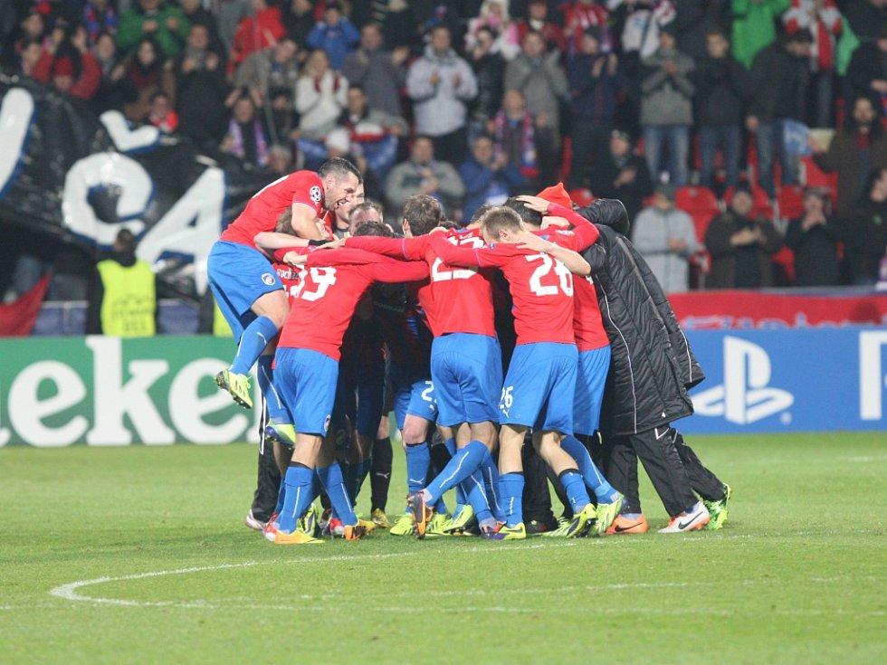 Fotbalisté Plzně se radují z vítězství nad CSKA Moskva.
