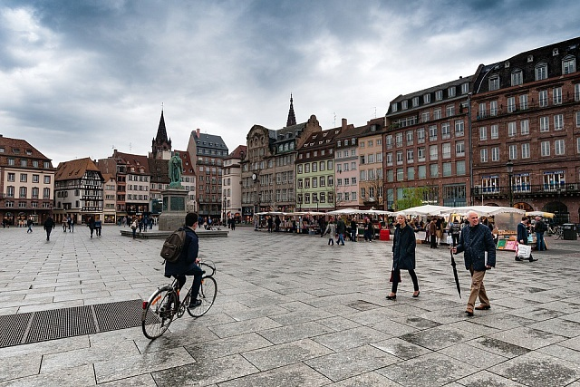 Sídlem Rady Evropy se stal alsaský Štrasburk. Město na hranici mezi Francií a Německem bylo od dob třicetileté války centrem konfliktů, nyní je symbolem smíření