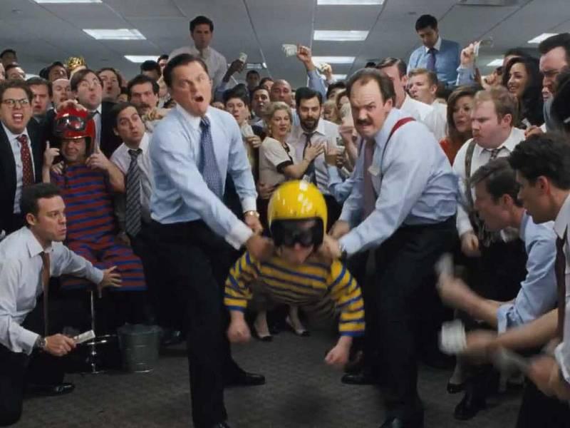Hod trpaslíkem z filmu Vlk z Wall Street