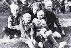 Lina Heydrichová s dětmi