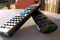 Televizní ovladače. Ilustrační snímek
