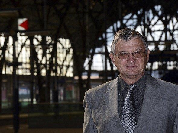 Šéf Drážního úřadu Jiří Hanuš (na snímku z 3. října 2013) končí. Z funkce jej 21. července odvolal ministr dopravy Antonín Prachař.
