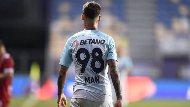 O postupu FCSB rozhodl proměněnou penaltou v páté sérii Dennis Man.