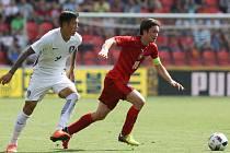 Tomáš Rosický v zápase s Jižní Koreou.