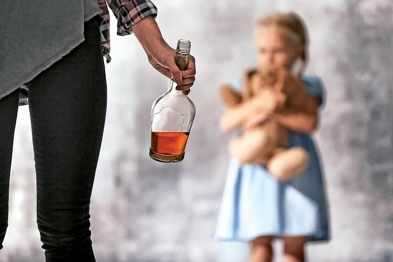 Řada metabolických přeměn je u žen zpomalena, což se projevuje například při odbourávání alkoholu, respektive etanolu. Rozvoj závislosti tak u nich bývá rychlejší než u mužů.
